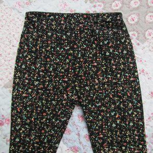 LuLaRoe Black & Green Leggings Pant One Size